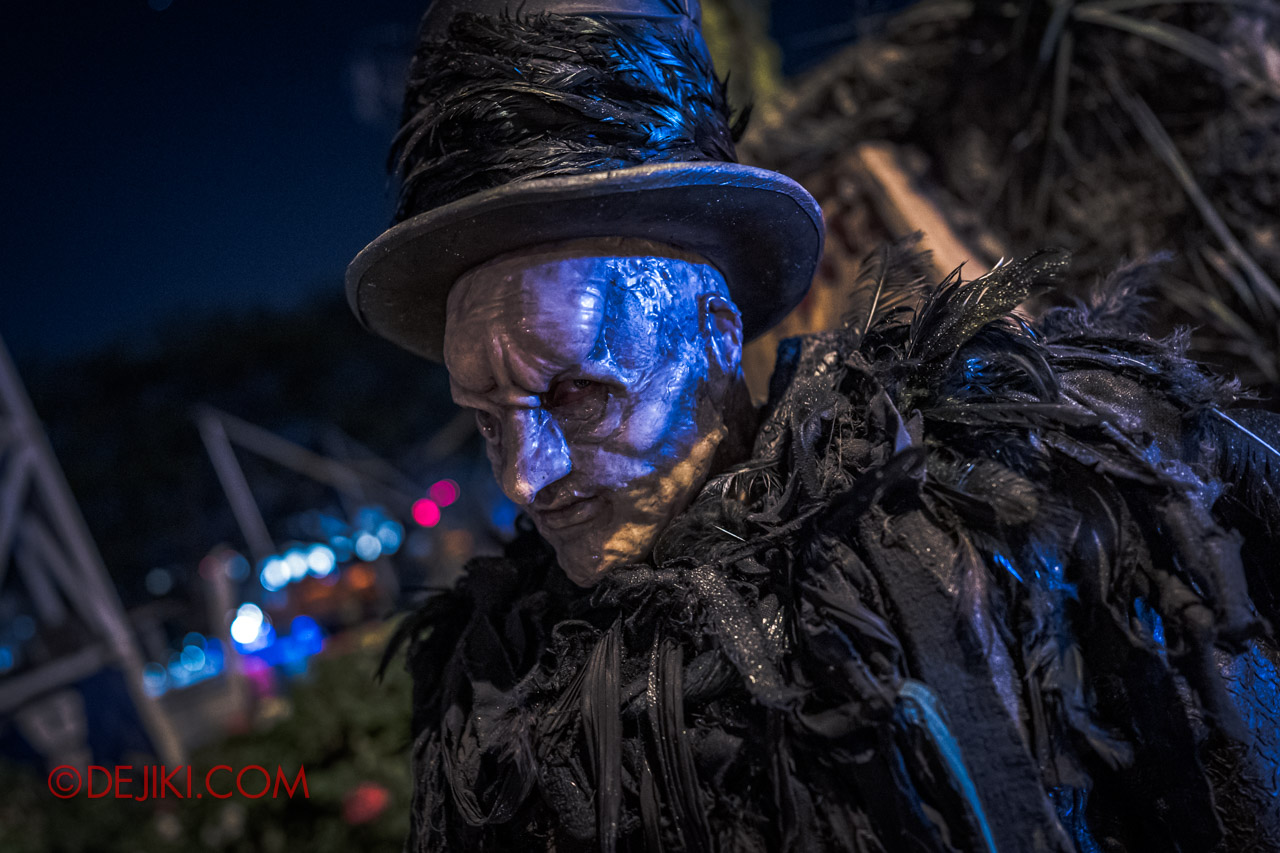 USS Halloween Horror Nights 9 The Undertaker Icon prowling for victims at night