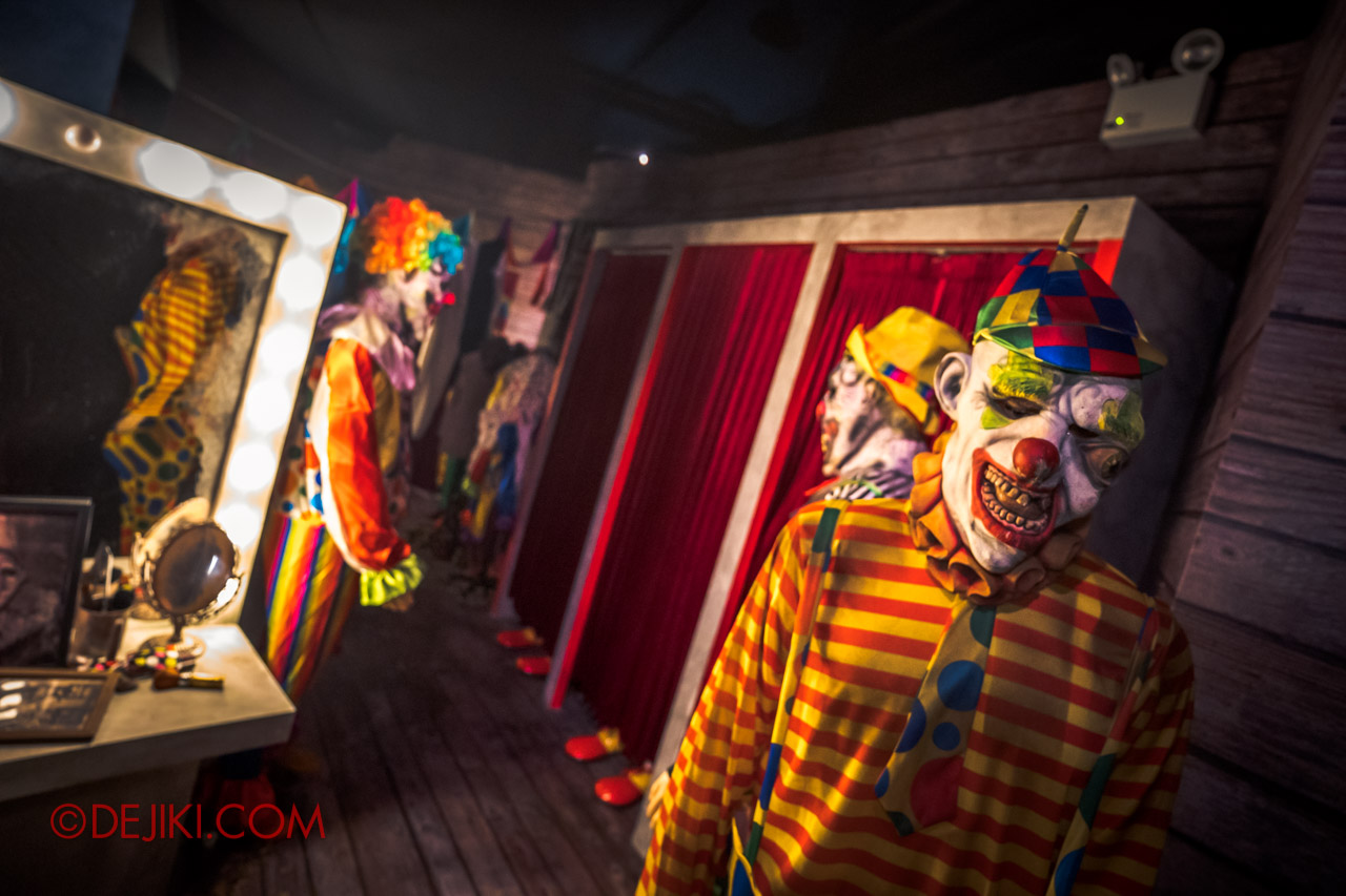 USS Halloween Horror Nights 9 Twisted Clown University haunted house 04 dressing room