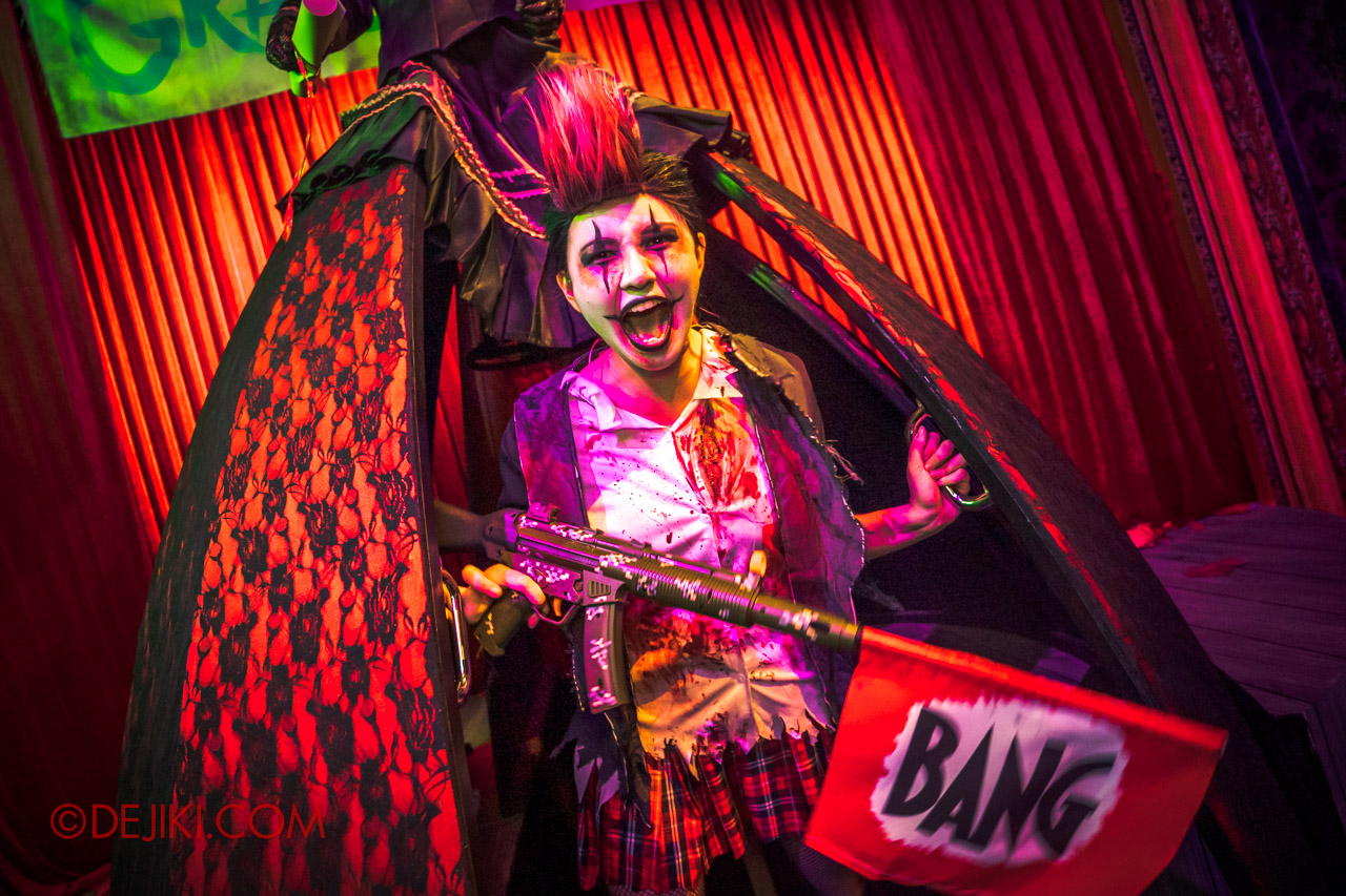 USS Halloween Horror Nights 9 Twisted Clown University haunted house 08 miss direction