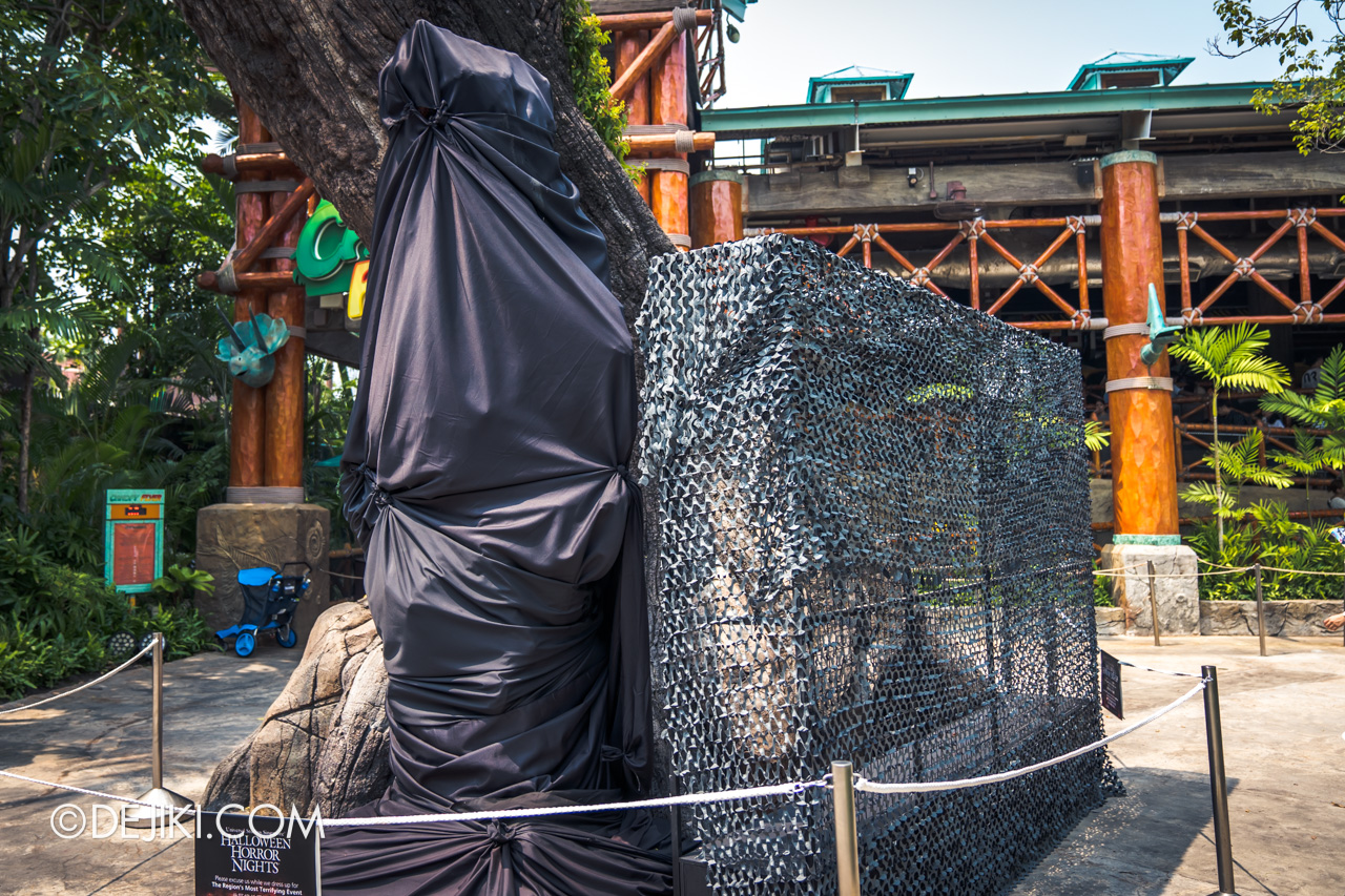 USS Halloween Horror Nights 9 construction update Dead End scare zone frame netting