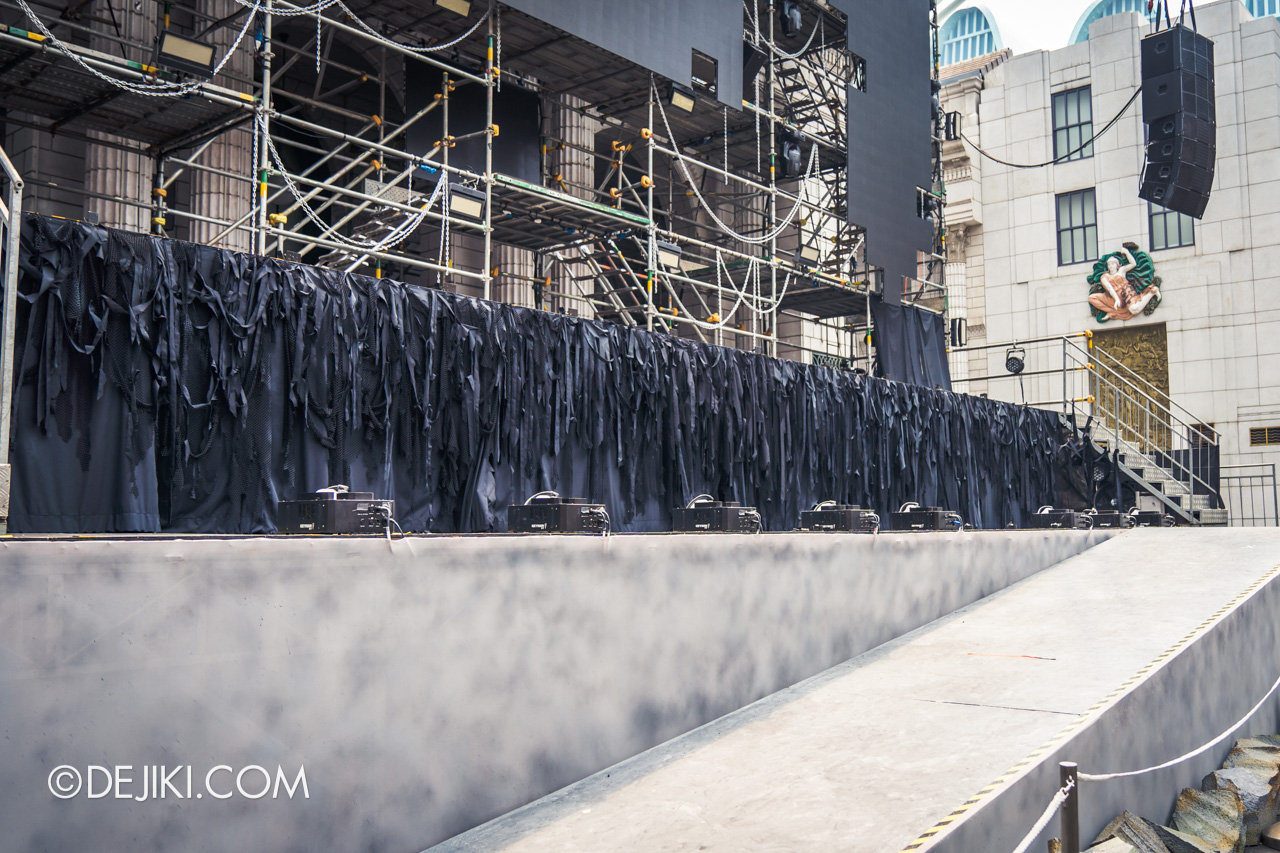 USS Halloween Horror Nights 9 construction update Death Fest scare zone stage for Opening Scaremony curtains wide
