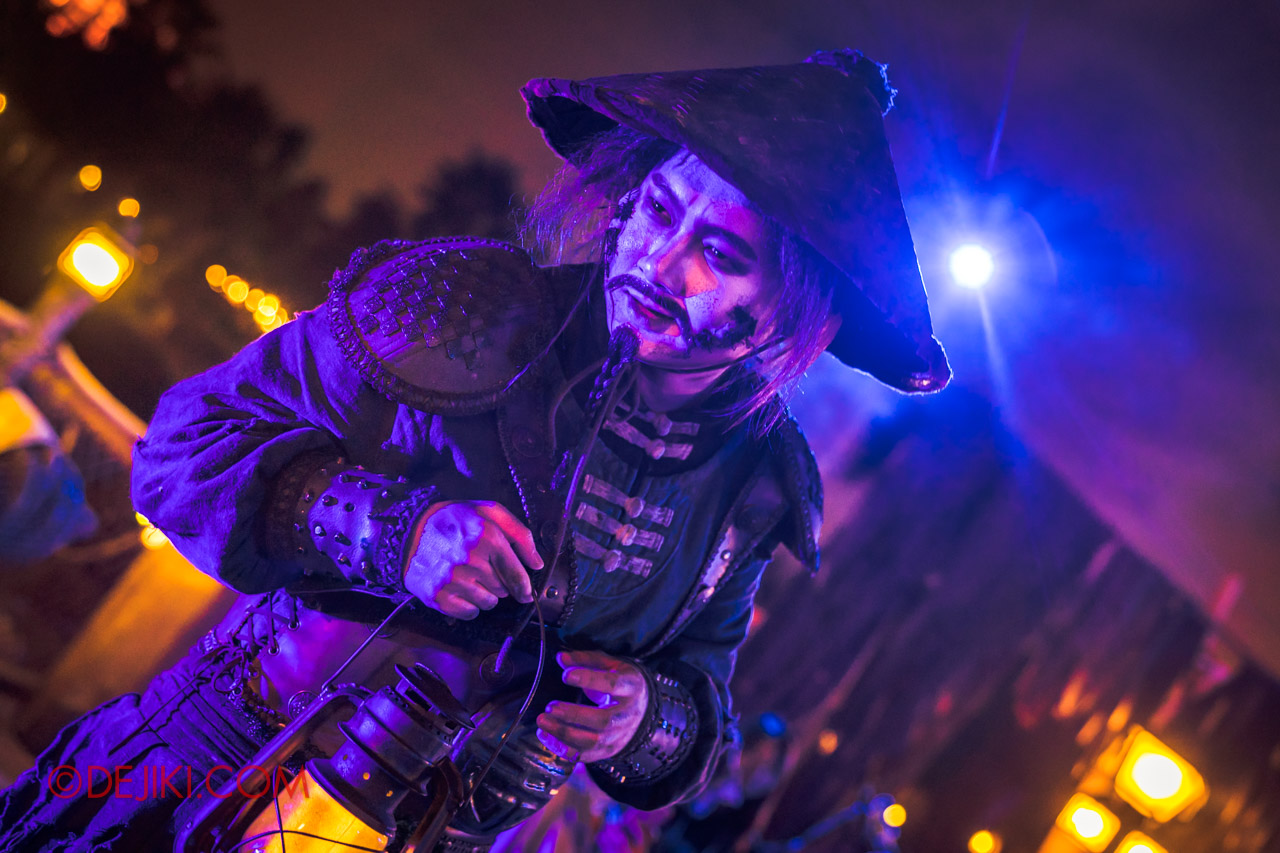 Shanghai Disneyland Halloween event Treasure Cove Ghost Pirates A Trial of Darkness Pirate Lantern hero