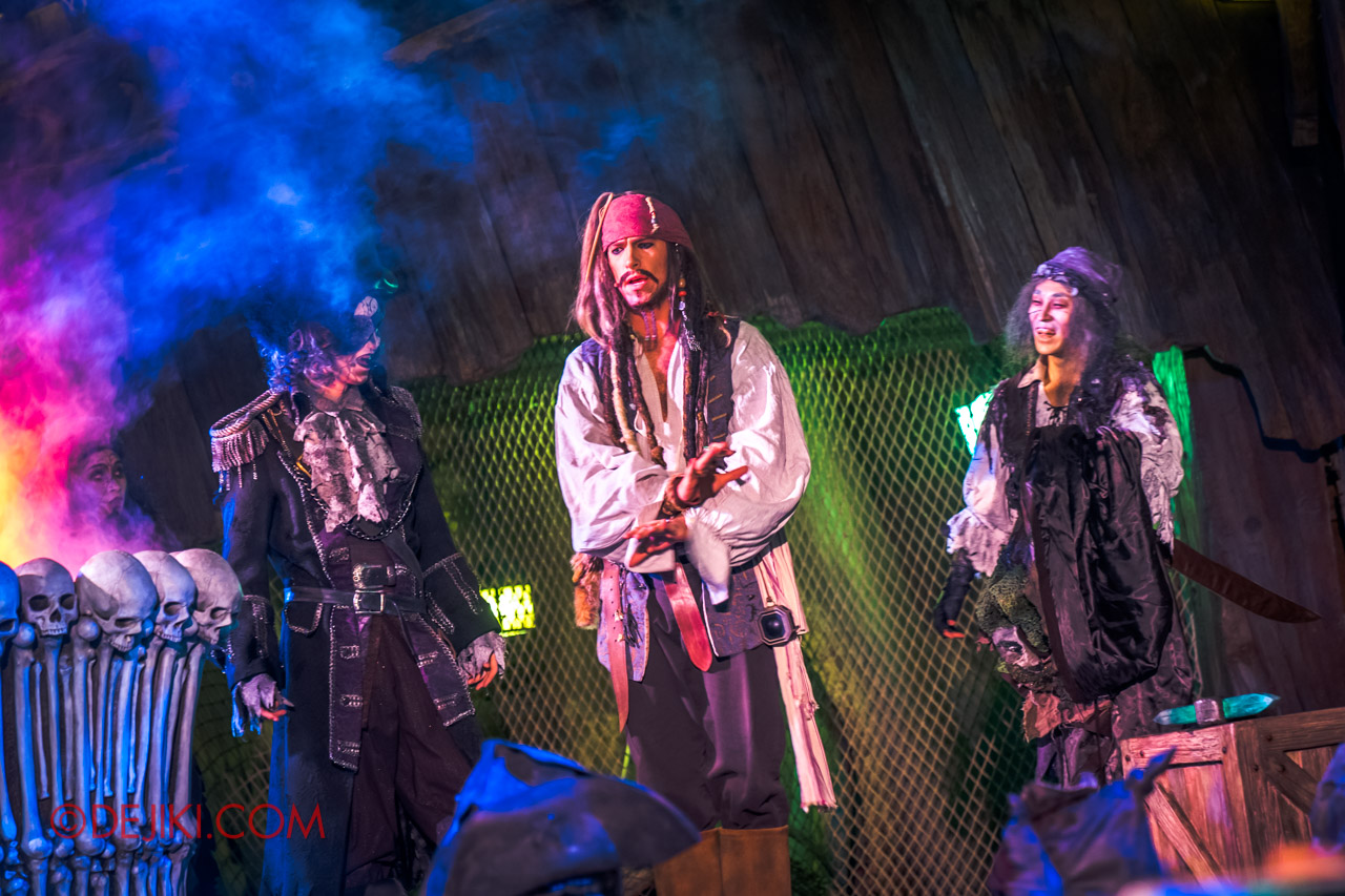 Shanghai Disneyland Halloween event Treasure Cove Ghost Pirates A Trial of Darkness Stunt Spectacular 3 Jack Sparrow