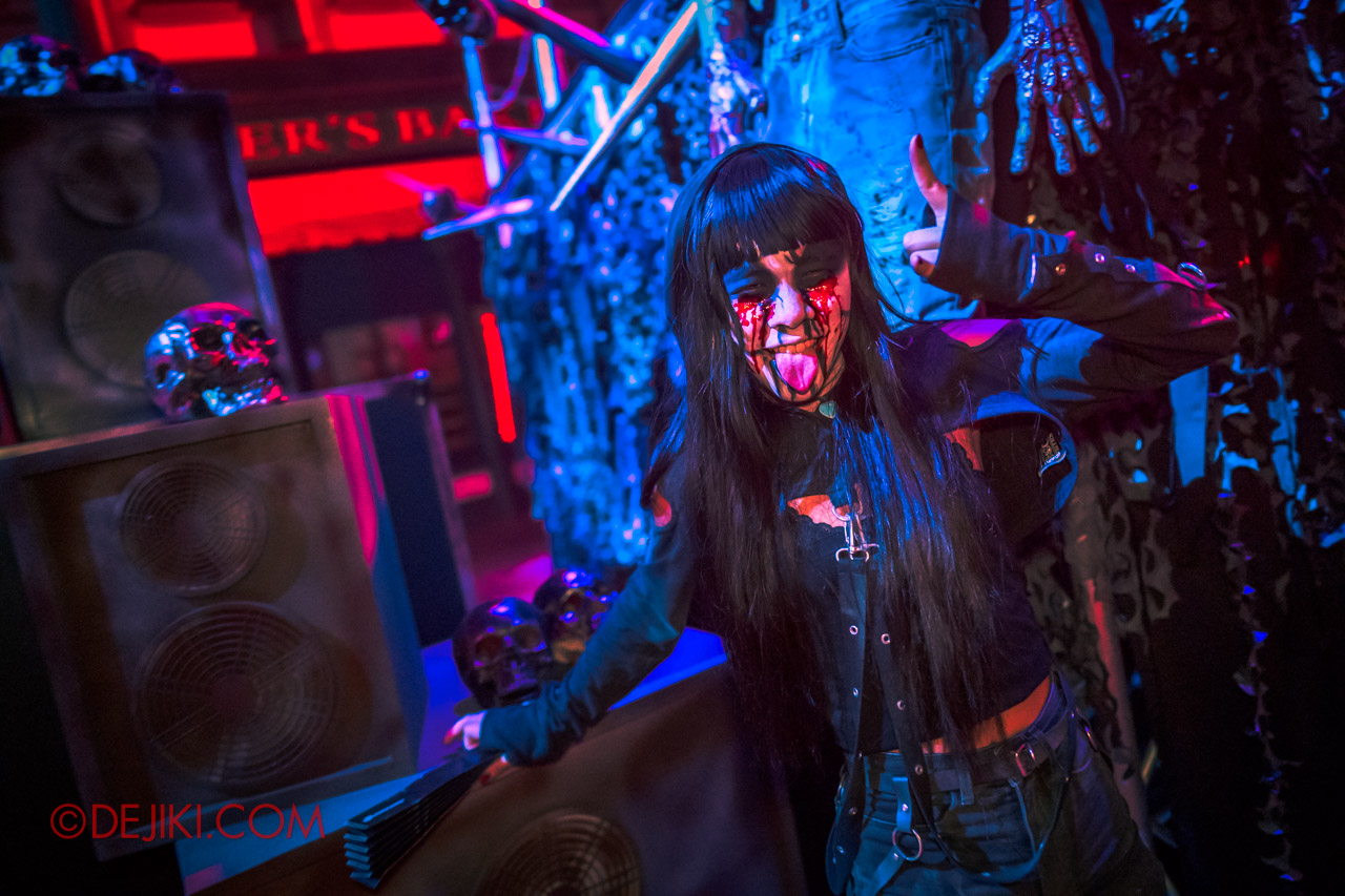 USS Halloween Horror Nights 9 Death Fest scare zone cast cynthia at skullbone stage