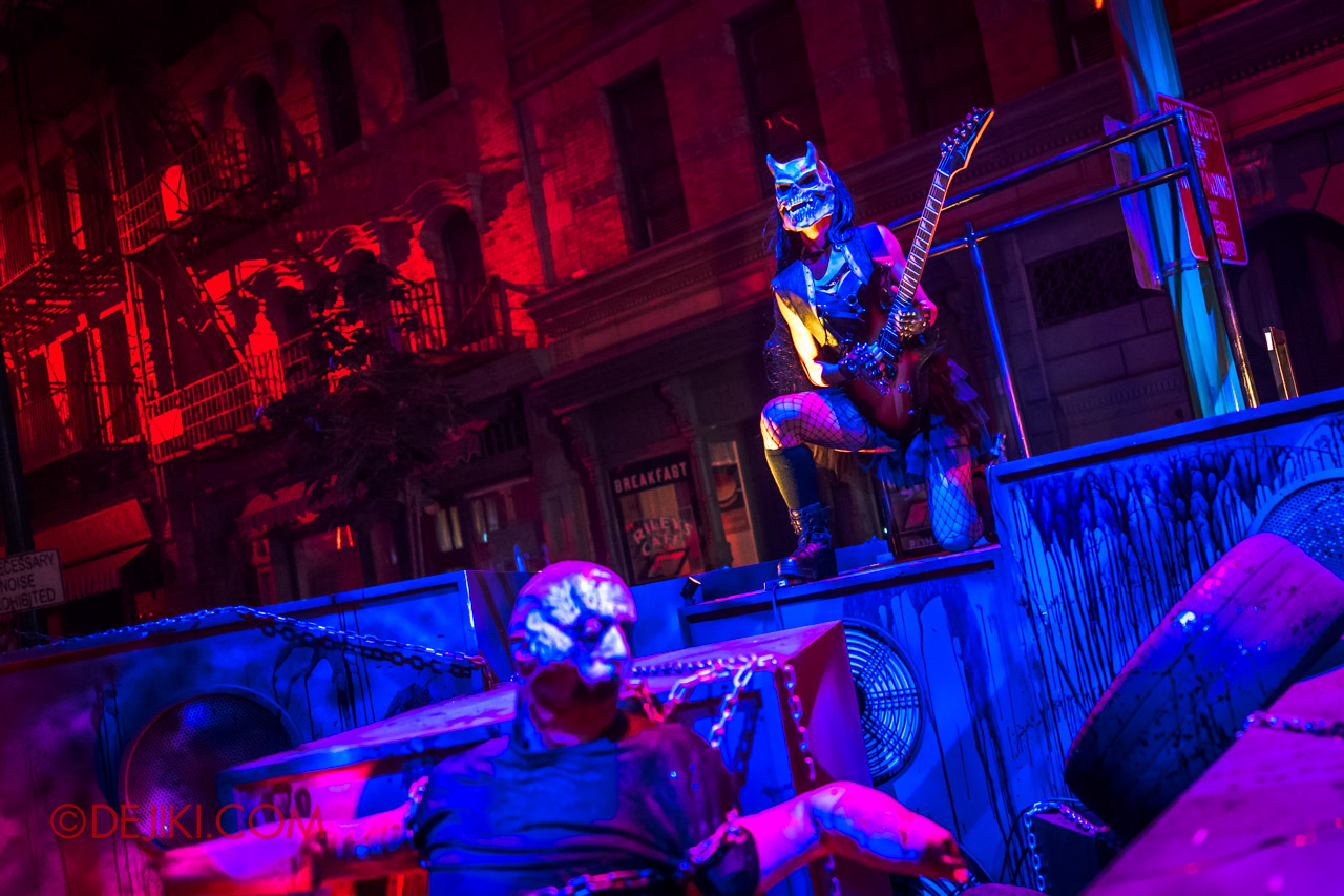 USS Halloween Horror Nights 9 Death Fest scare zone cast guitarist girl on mini stage