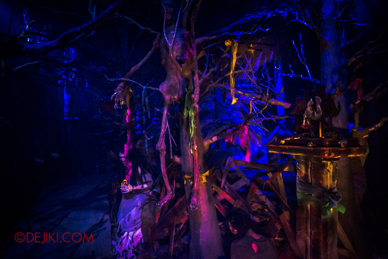 USS Halloween Horror Nights 9 Haunted House Tour Curse of The Naga 4 Village overview