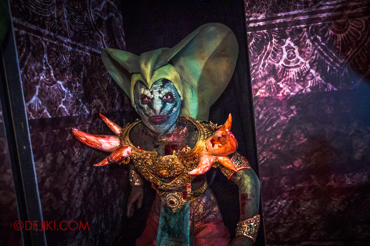 USS Halloween Horror Nights 9 Haunted House Tour Curse of The Naga 8 Male Serpentine Guard