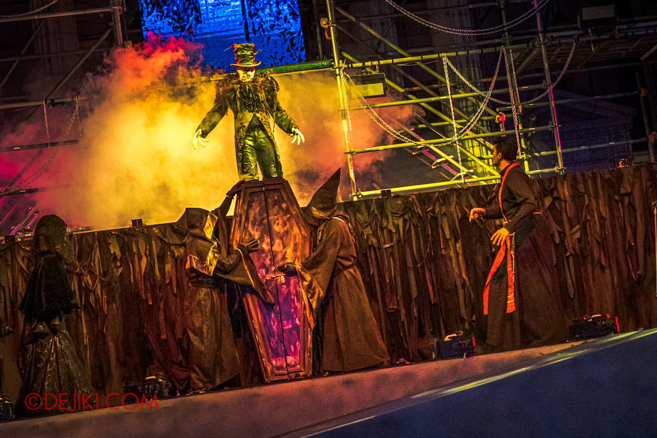 USS Halloween Horror Nights 9 Opening Scaremony 3 Undertaker appears