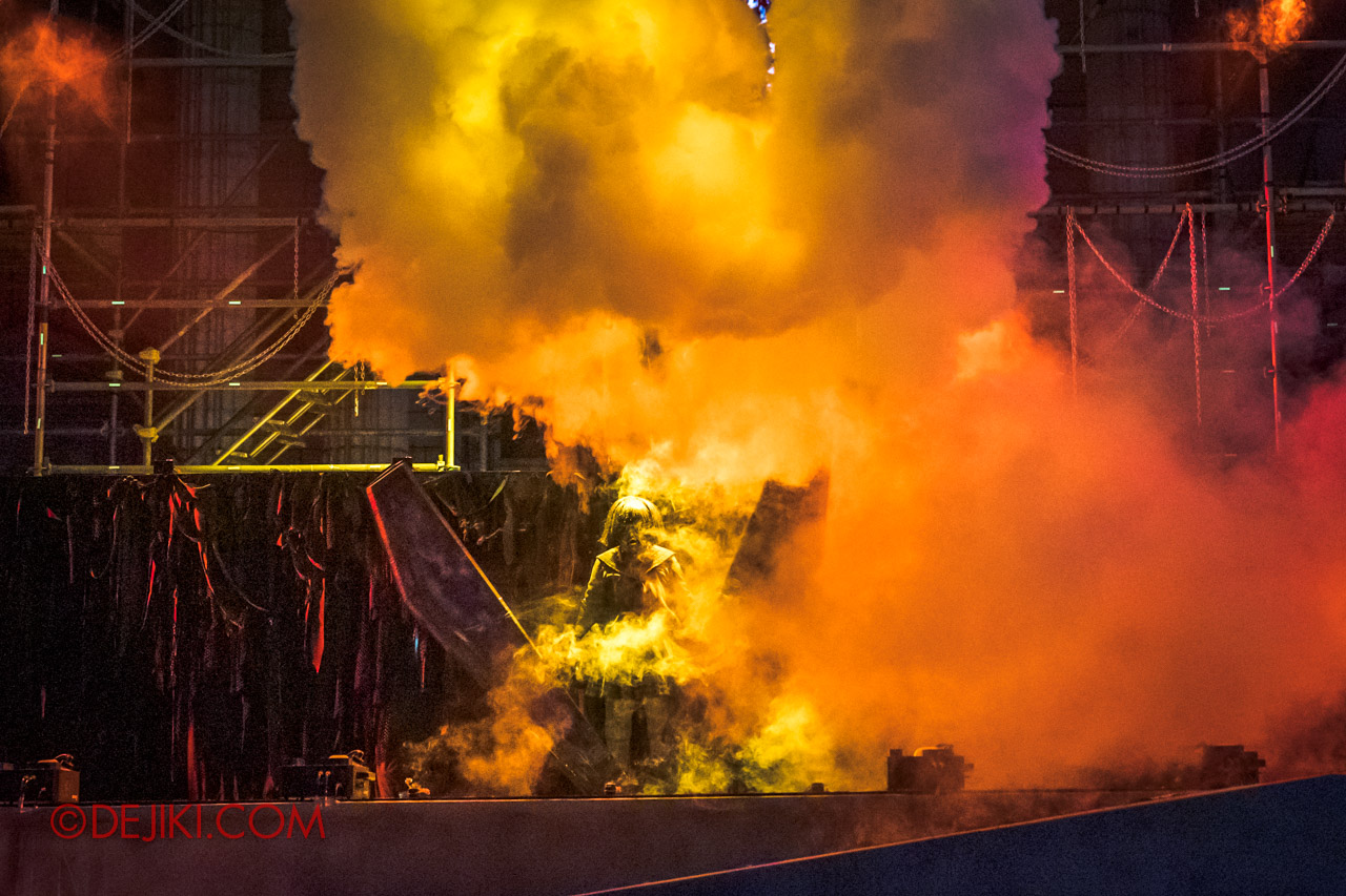 USS Halloween Horror Nights 9 Opening Scaremony 5 Yumi unleashed