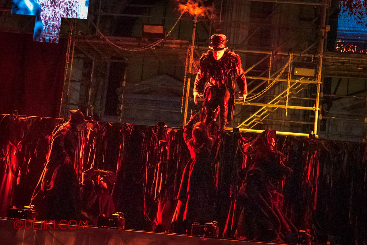 USS Halloween Horror Nights 9 Opening Scaremony 6 Undertaker demands all to kneel