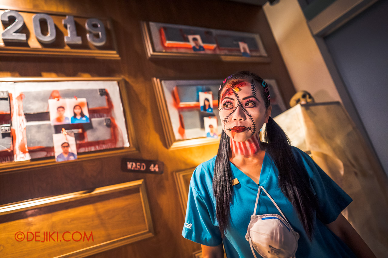 USS Halloween Horror Nights 9 RIP Tour Guide in the VIP Reception