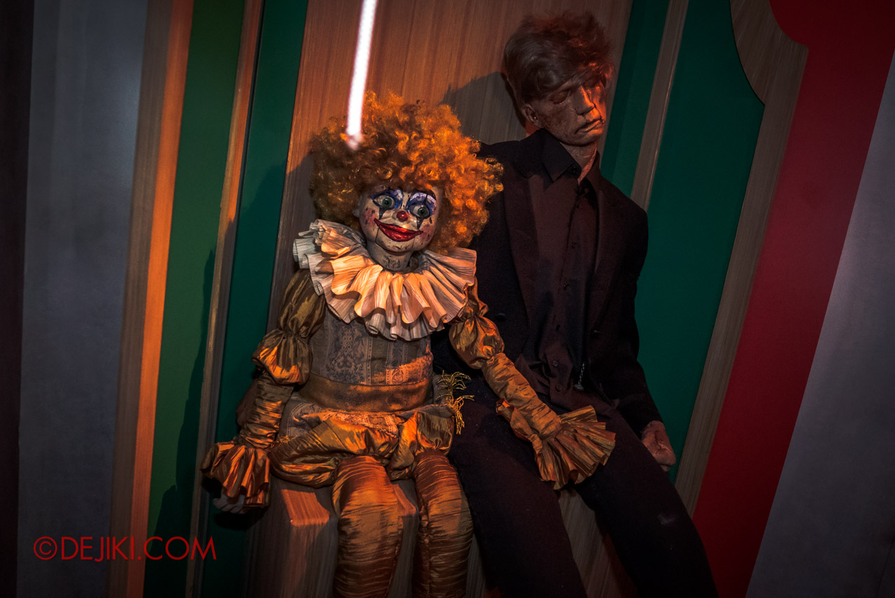 USS Halloween Horror Nights 9 Twisted Clown University haunted house 05 toys ventriloquist