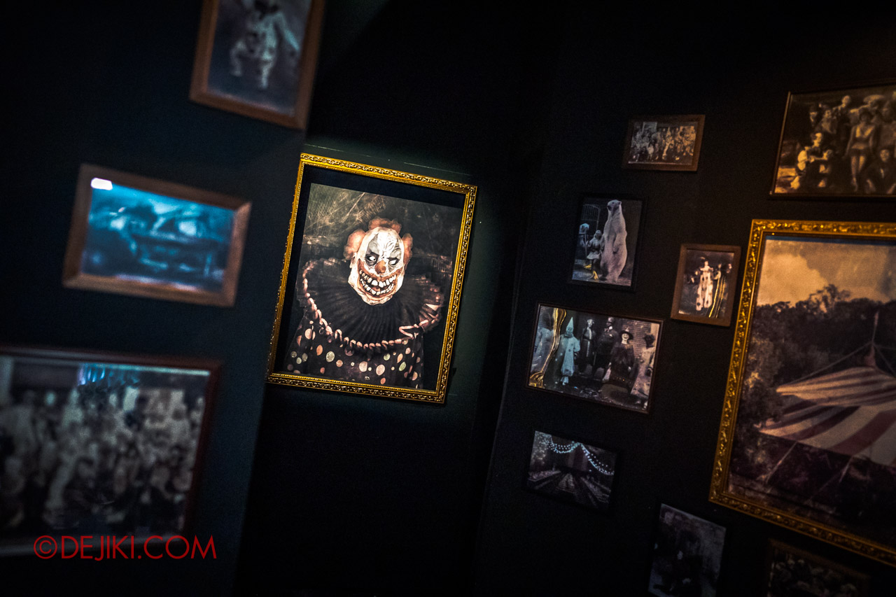 USS Halloween Horror Nights 9 Twisted Clown University haunted house 08 graduation portrait gallery
