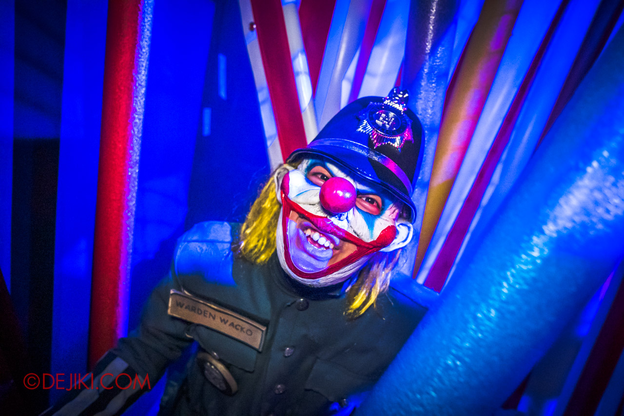 USS Halloween Horror Nights 9 Twisted Clown University haunted house 09 clown police
