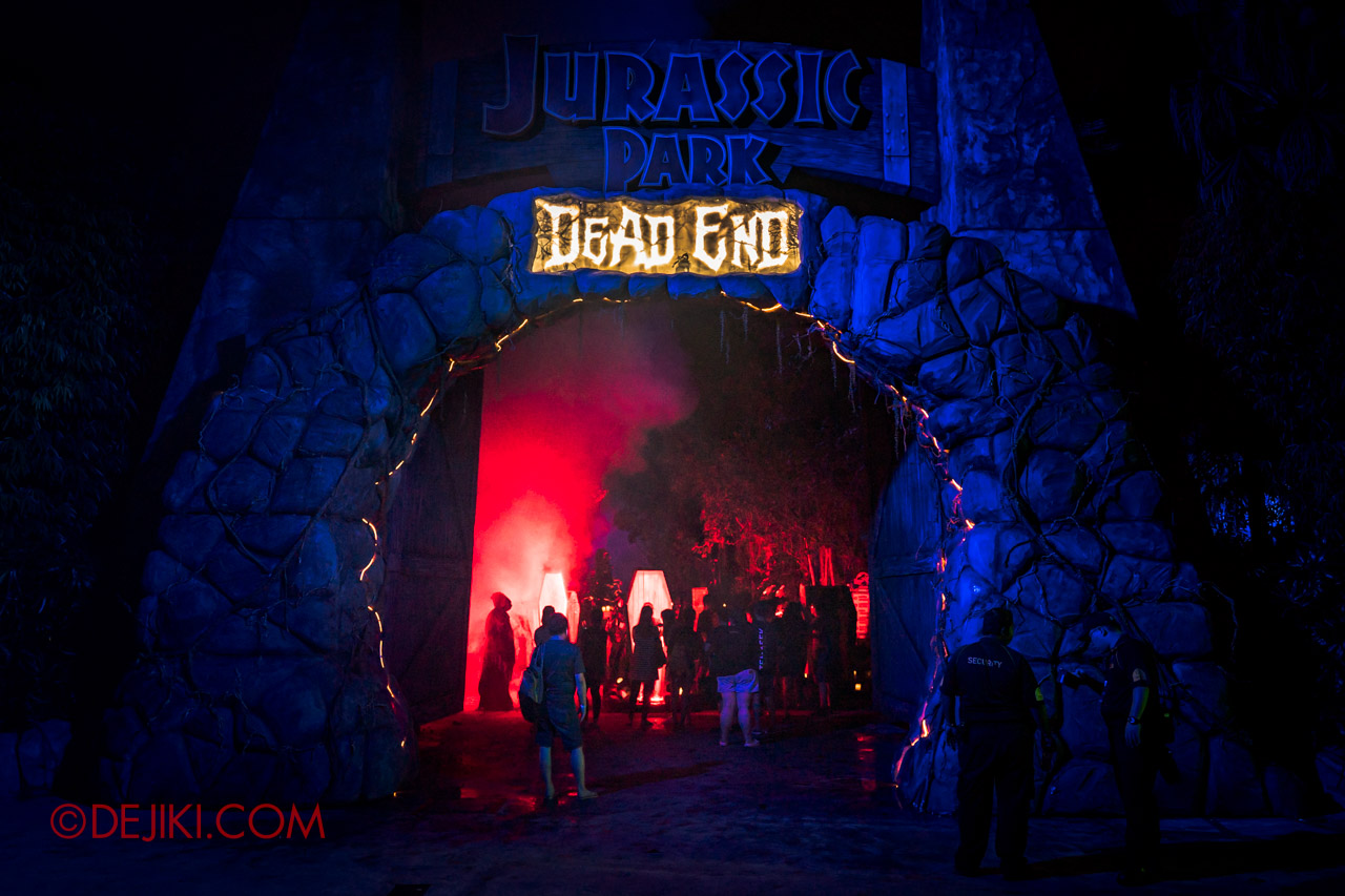 USS Halloween Horror Nights 9 photo tour Dead End scare zone 0 dead end arch