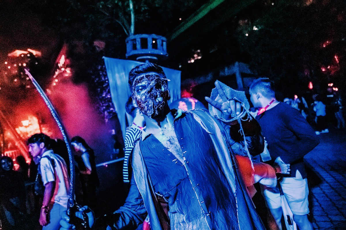 Sunway Lagoon Malaysia Nights of Fright 7 scare zone sirens cove 1