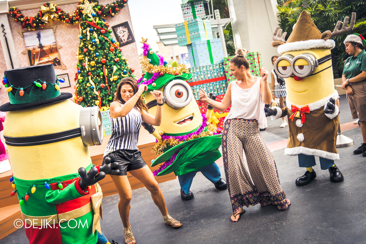 Universal Studios Singapore A Universal Christmas 2019 event Despicable Me Family Christmas dancing with minions