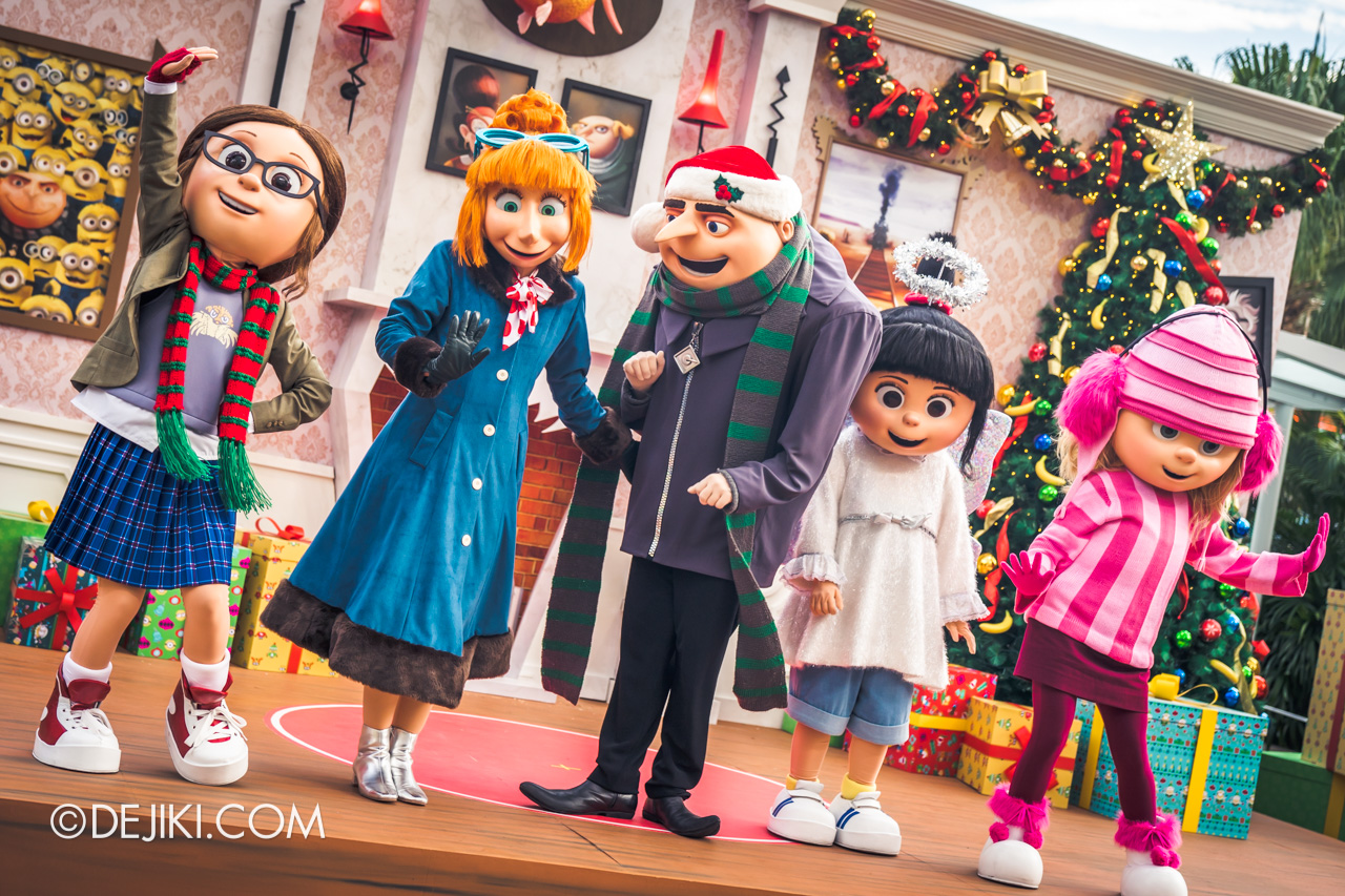 Universal Studios Singapore A Universal Christmas 2019 event Despicable Me Family Christmas side angle Gru Lucy Margo Edith Agnes