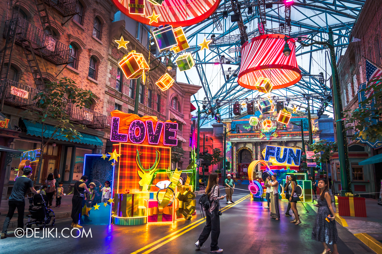 Universal Studios Singapore A Universal Christmas 2019 event Modern Christmas at New York 3