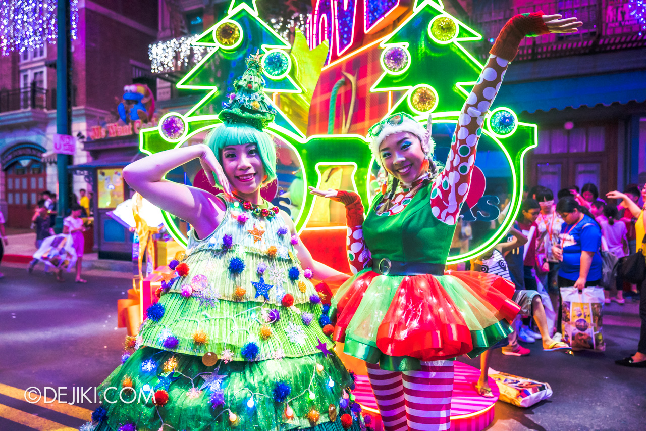 Universal Studios Singapore A Universal Christmas 2019 event Modern Christmas at New York zone characters 2