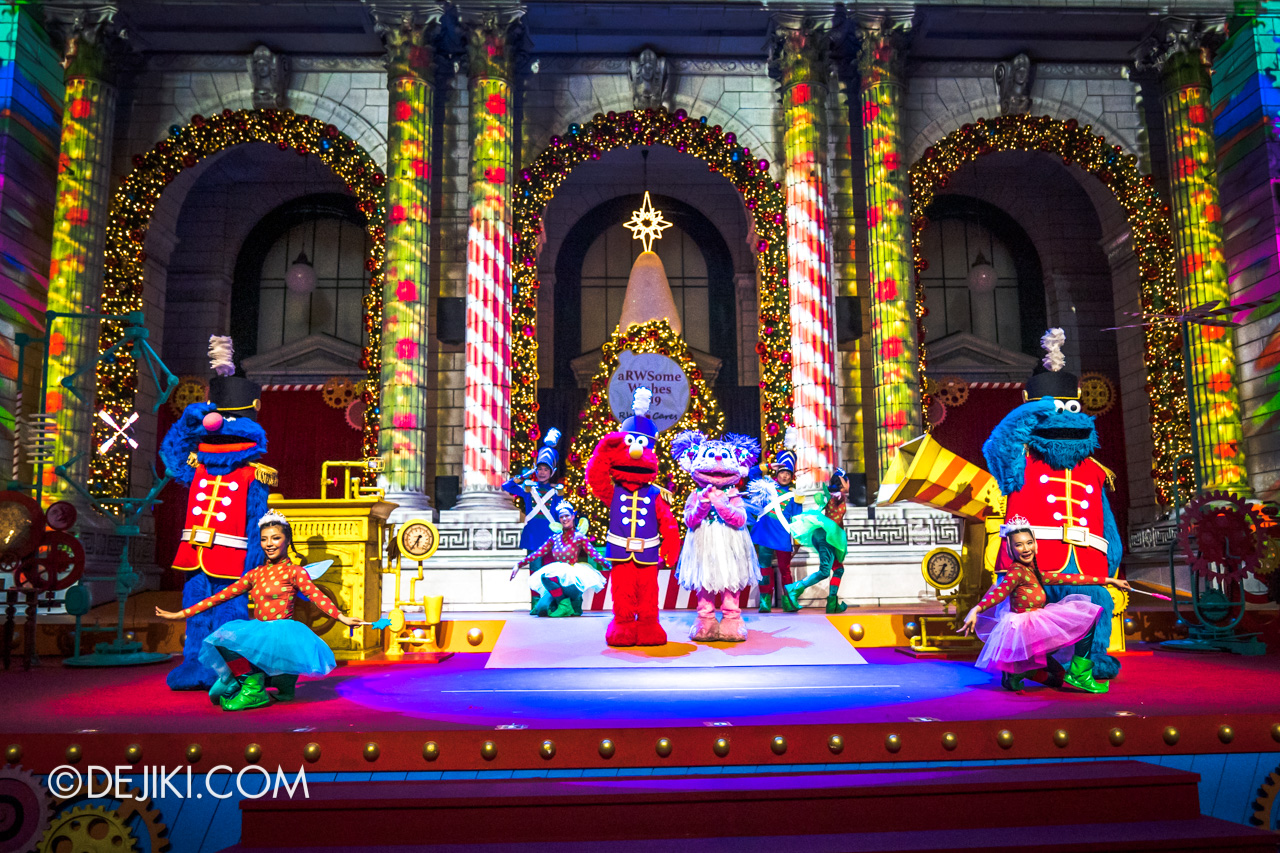 Universal Studios Singapore A Universal Christmas 2019 event The Great Christmas Invention 10 sesame street nutcracker 4