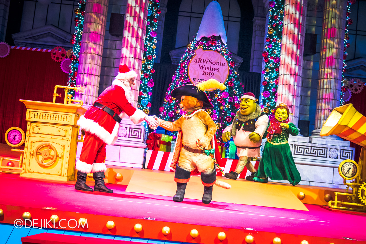 Universal Studios Singapore A Universal Christmas 2019 event The Great Christmas Invention 13 finale meet and greet puss shrek fiona