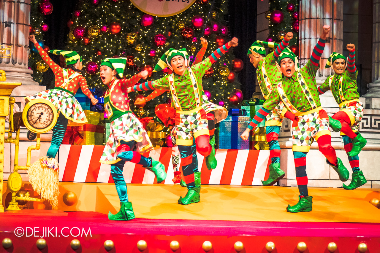 Universal Studios Singapore A Universal Christmas 2019 event The Great Christmas Invention 4 dancers on stage