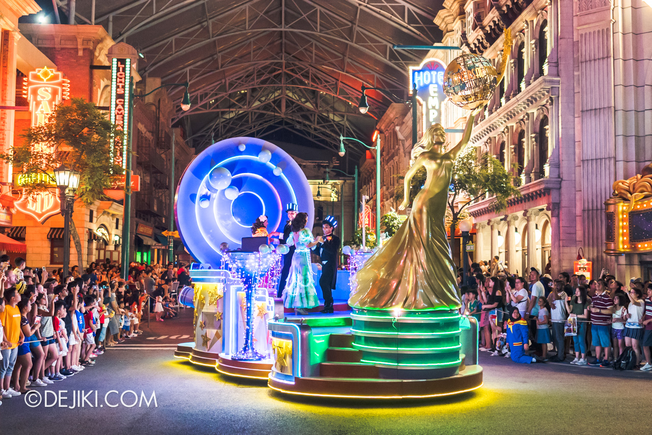 Universal Studios Singapore Hollywood Dreams Light up Parade Night Hollywood
