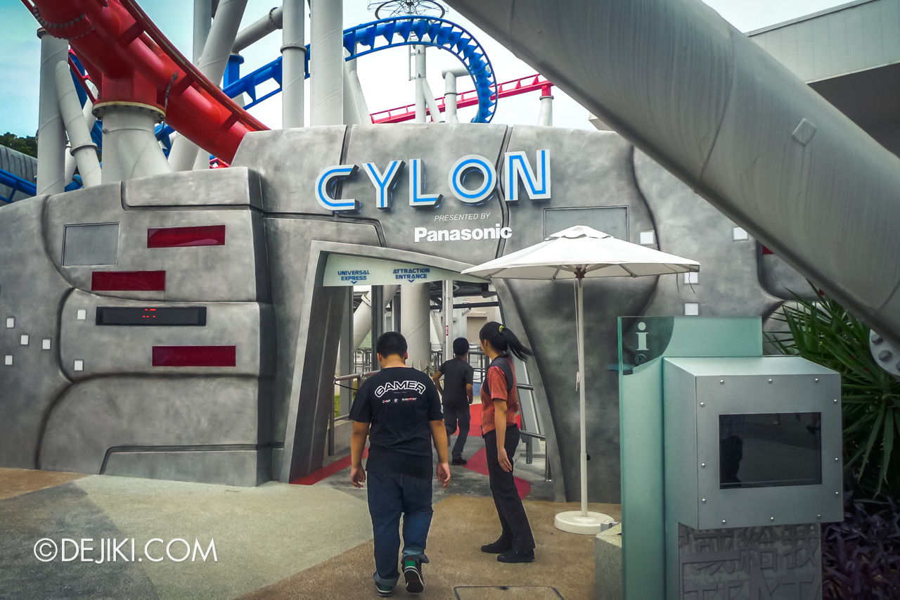 Universal Studios Singapore 10th Anniversary Flashback Battlestar Galactica original ride entrance for CYLON
