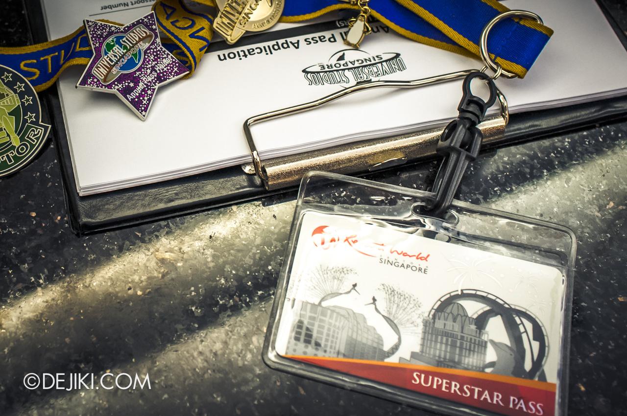 Universal Studios Singapore 10th Anniversary Flashback Original Annual Pass 2011 Superstar Pass