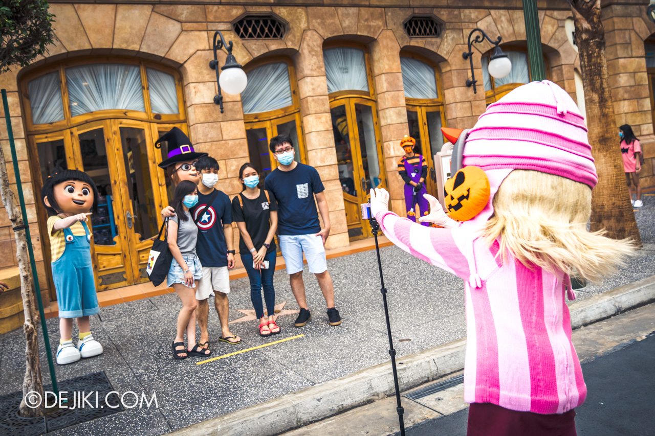 Universal Studios Singapore Park Update Sept 2020 Meet and Greet experiences Despicable Me girls Edith