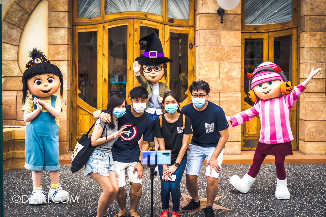 Universal Studios Singapore Park Update Sept 2020 Meet and Greet experiences Despicable Me girls with guests