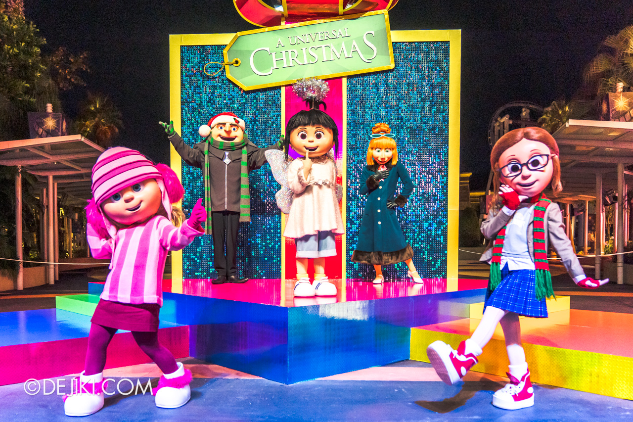 Universal Studios Singapore Park Update Dec 2020 Universal Christmas Meet and Greet A Despicable Family Christmas