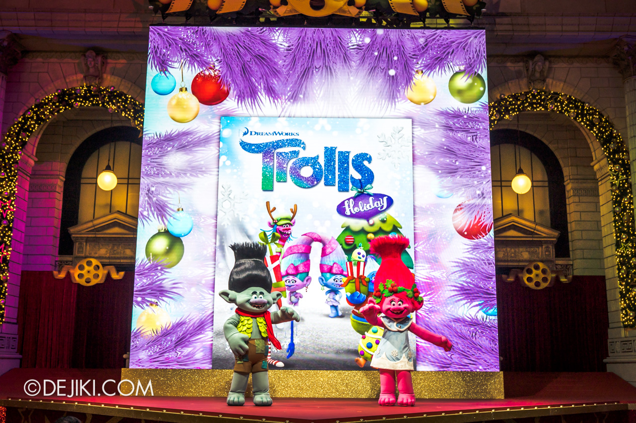 Universal Studios Singapore Park Update Dec 2020 Universal Christmas Meet and Greet Trolls Holiday