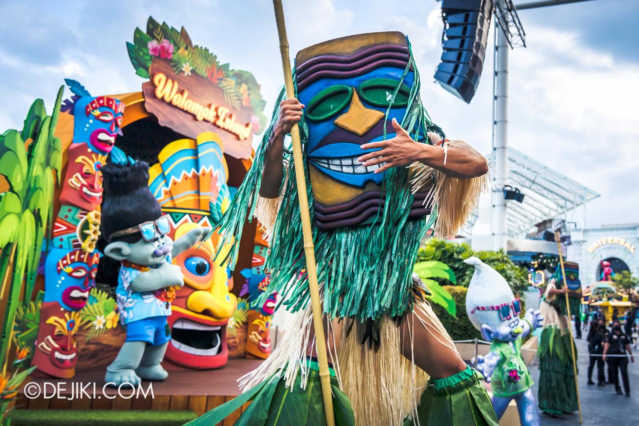Universal Studios Singapore Park Update March 2021 Tropical Thrills Walamak Island Tiki Mask Stilt Walker 2