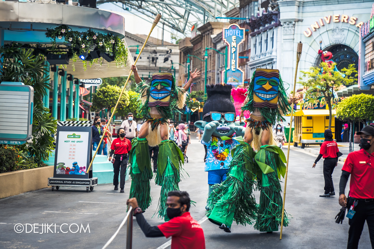 Universal Studios Singapore Park Update March 2021 Tropical Thrills Walamak Island Tiki Mask Stilt Walkers