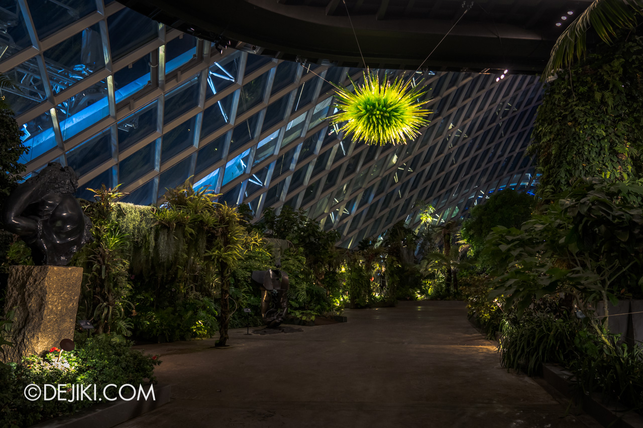 Gardens by the Bay Chihuly in Bloom Cloud Forest Uranium Green Icicle Chandelier