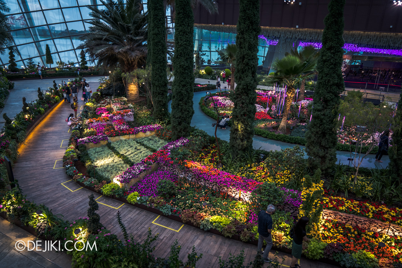 Gardens by the Bay Chihuly in Bloom Flower Dome overview2