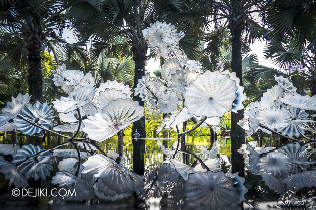 Gardens by the Bay Chihuly in Bloom Outdoor 08 Ethereal White Persians reflections