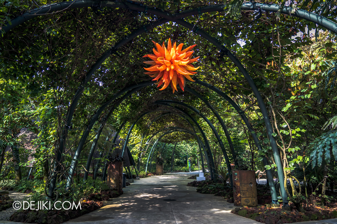 Gardens by the Bay Chihuly in Bloom Outdoor 16 Orange Hornet Chandelier