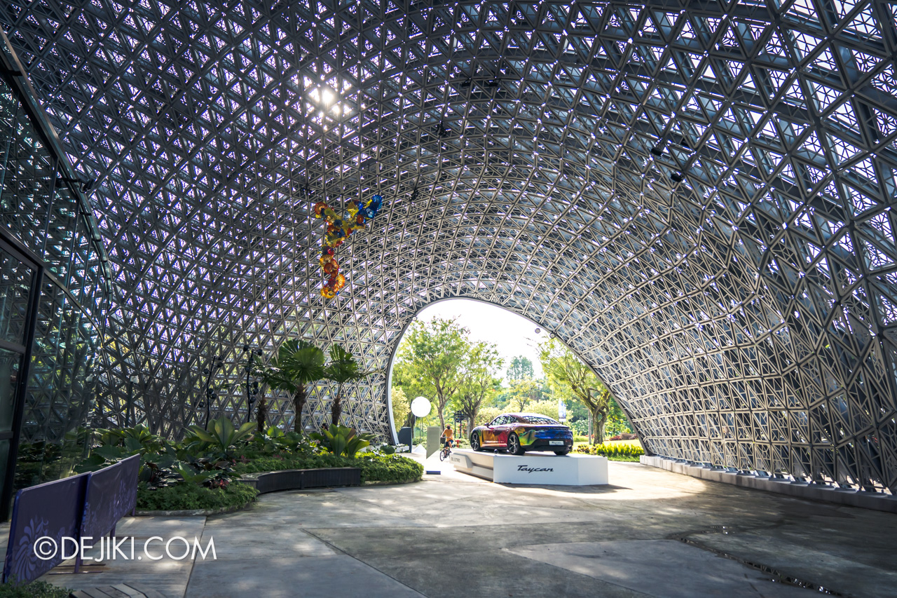Gardens by the Bay Chihuly in Bloom Outdoor Free End of the Day Persian Chandelier SG Lattice